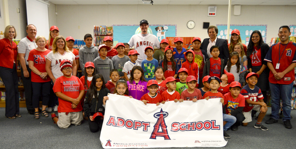 Angels pitcher Andrew Heaney with Garden Grove students