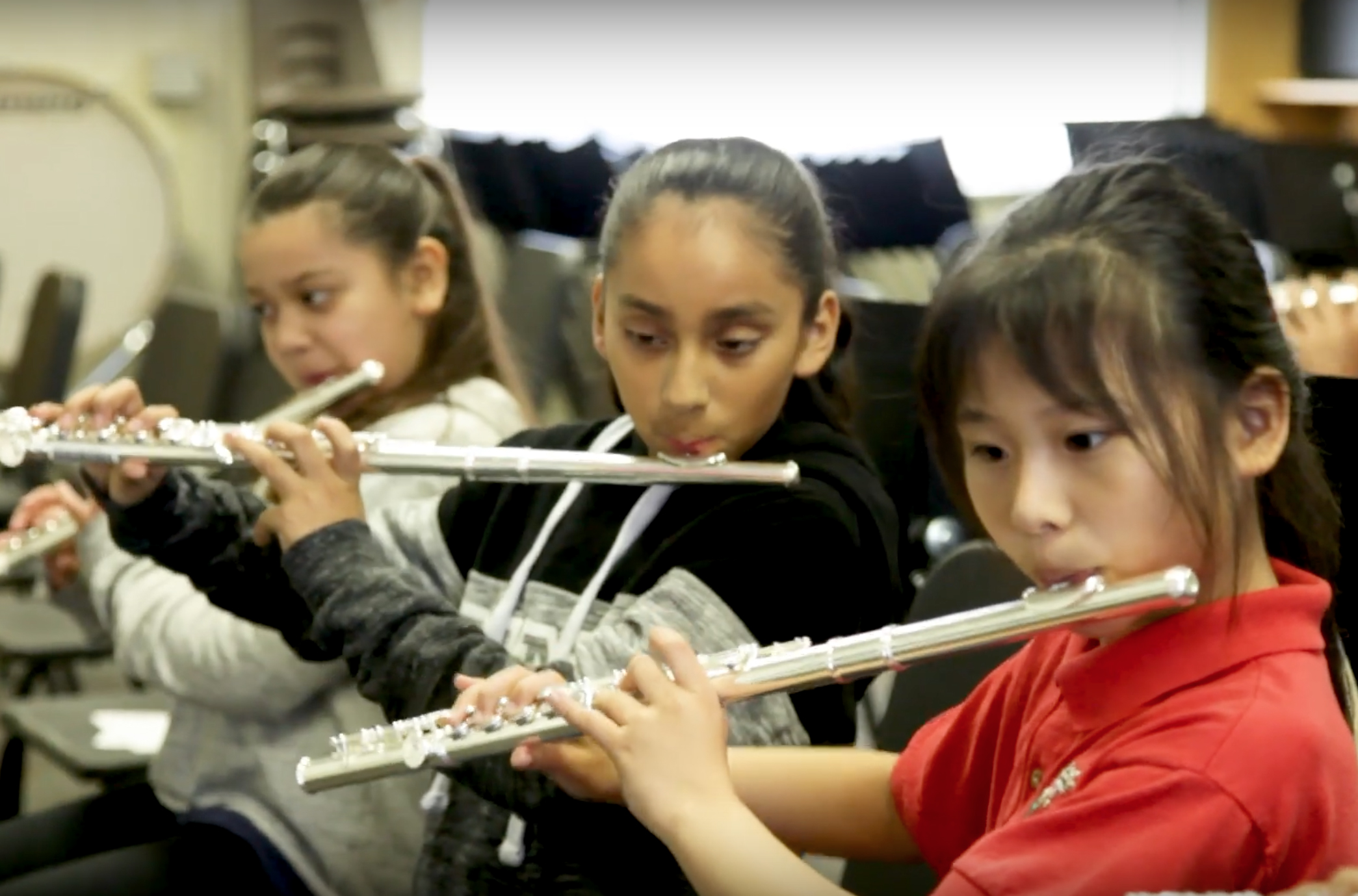 VH1 campaign helps restore music education in Anaheim schools